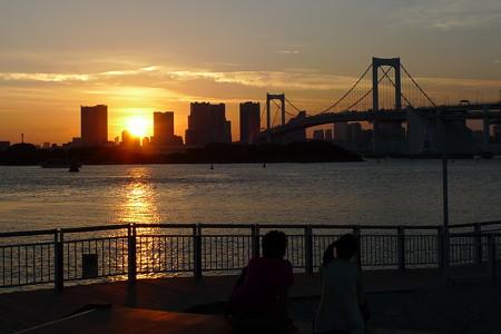 夕陽と恋人達