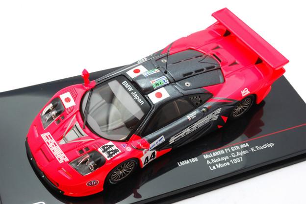 IXO_McLaren GTR #44 Le Mans 1997 LMM109_001
