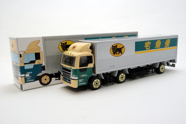 ヤマト運輸_10tトラック_005