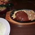 Photos: 肉の万世 ハンバーグと生姜焼き