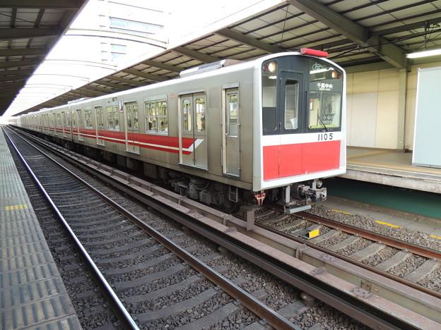 大阪市交通局:10系(1105F)-02