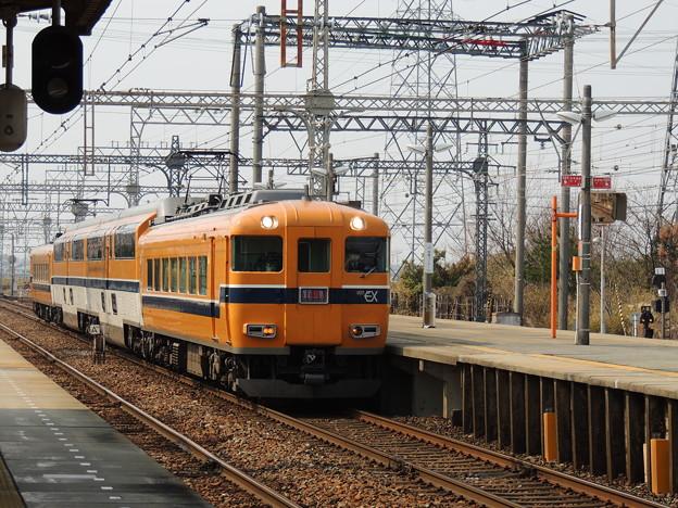 近鉄:30000系(30202F)-01