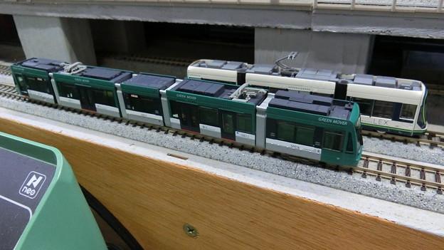模型:GREEN MOVERとLEX-01