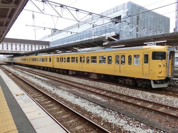 JR西日本:115系(A10)-03