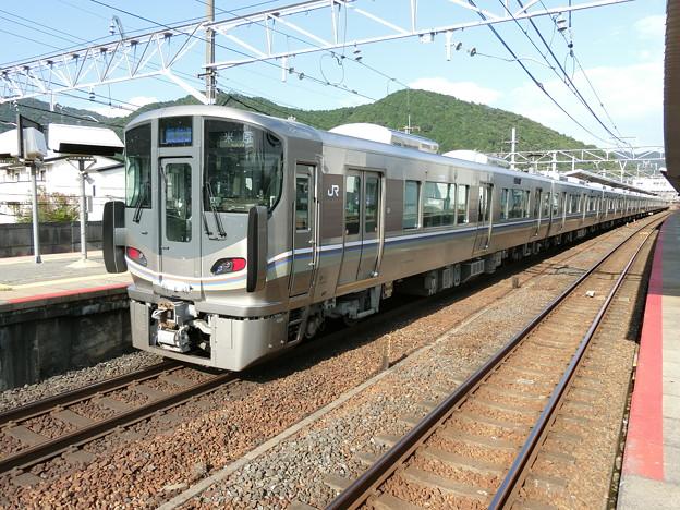 JR西日本:225系(I008)・223系(V003)-01