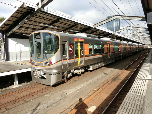 JR西日本:323系(LS01)-01