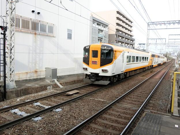 近鉄:30000系(30211F)-01