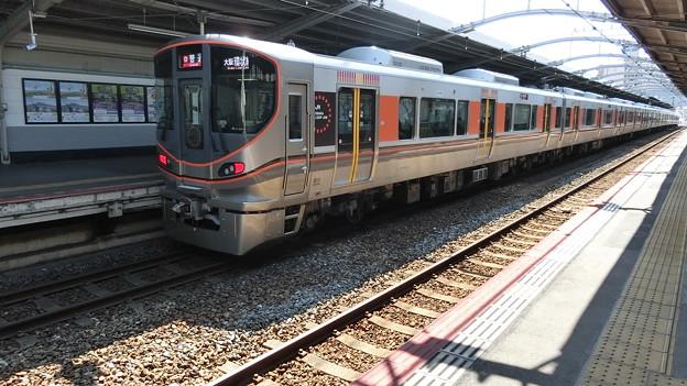 JR西日本:323系(LS02)-01