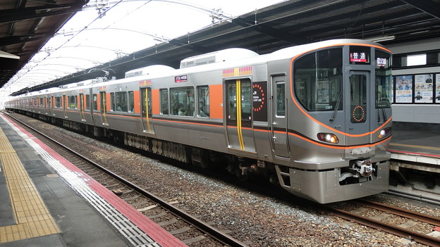 JR西日本:323系(LS07)-01