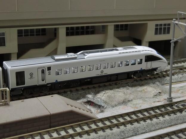 模型:クモハ885-9