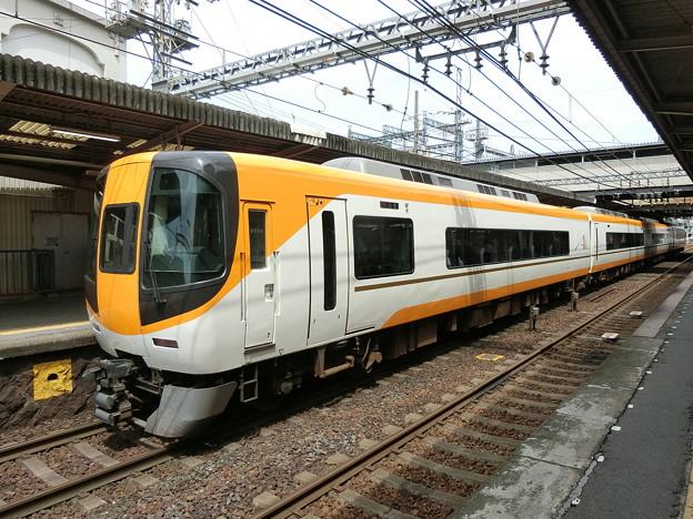 近鉄:22000系(22110F)-01