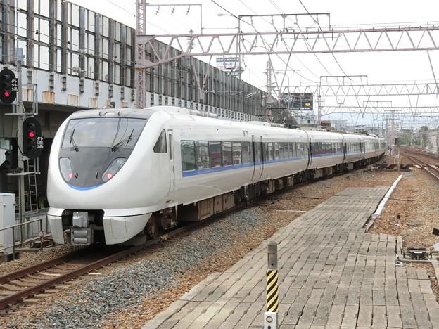 JR西日本:681系(W35・V36)-01