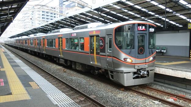 JR西日本:323系(LS05)-02