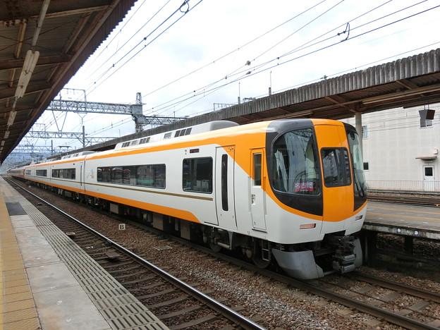 近鉄:22000系(22106F)・12400系(12402F)-01