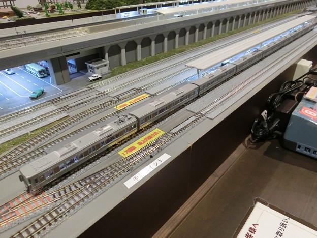 写真: 模型:JR西日本225系100番台-01
