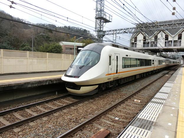写真: 近鉄:21020系(21122F)-03