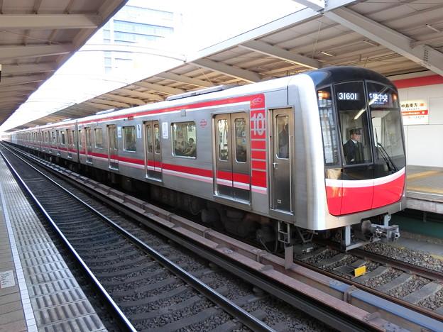 大阪メトロ:30000系(31601F)-01