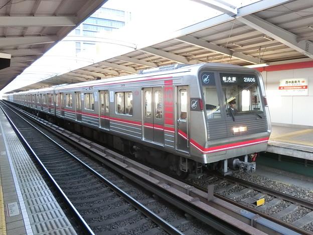 大阪メトロ:21系(21606F)-01
