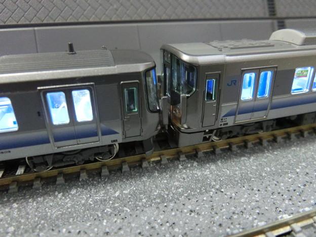 223系2500番台と225系5100番台との連結