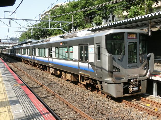写真: JR西日本:225系(HF427)・223系(HE409)-01