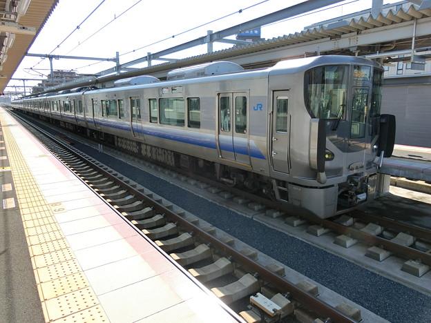 JR西日本:225系(HF412・HF441)-01