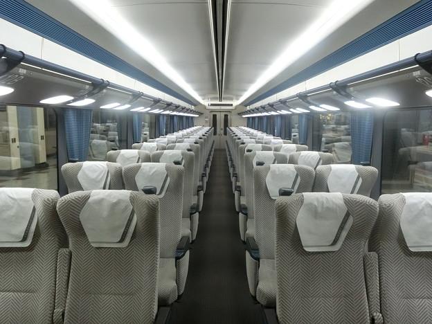 近鉄:22000系(車内)-01