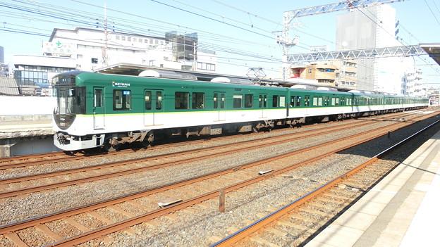 京阪:13000系(13027F)-01