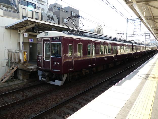 阪急:7000系(7013F)-04