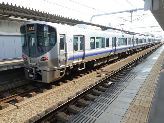 JR西日本:225系(HF605)-01