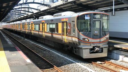 JR西日本:323系(LS22)-01