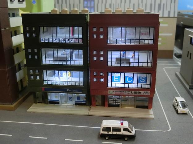 模型:雑居ビル-02