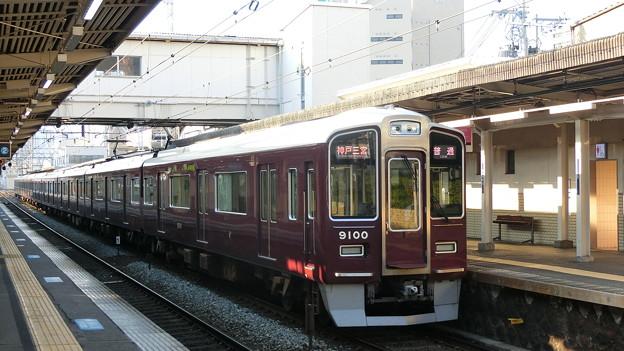 阪急:9000系(9000F)-02