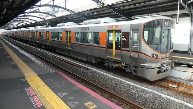 JR西日本:323系(LS18)-01