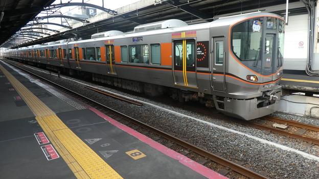 JR西日本:323系(LS22)-02