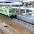 Photos: 模型:103系と221系-01