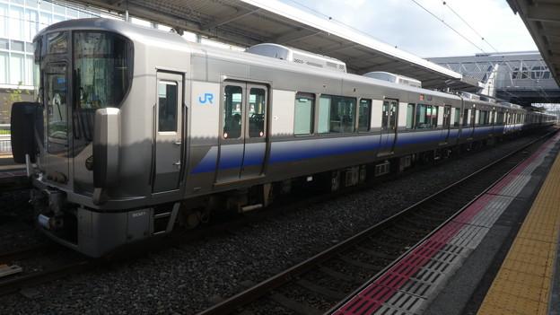 JR西日本:225系(HF421)・223系(HE417)-01