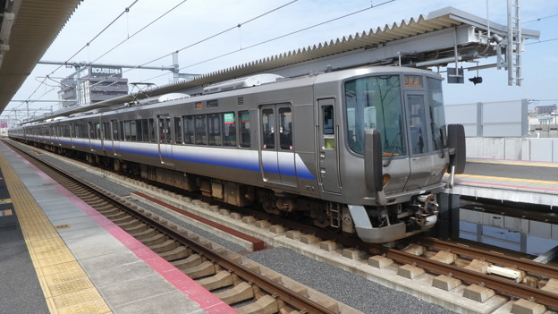 JR西日本:223系(HE405・HE429)-01