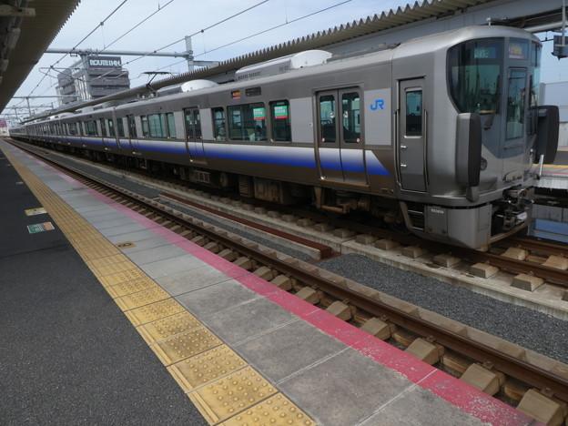 JR西日本:225系(HF428)・223系(HE418)-01