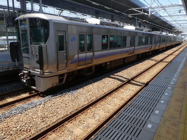 JR西日本:225系(HF421)-02
