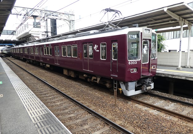阪急:8300系(8303F)-03