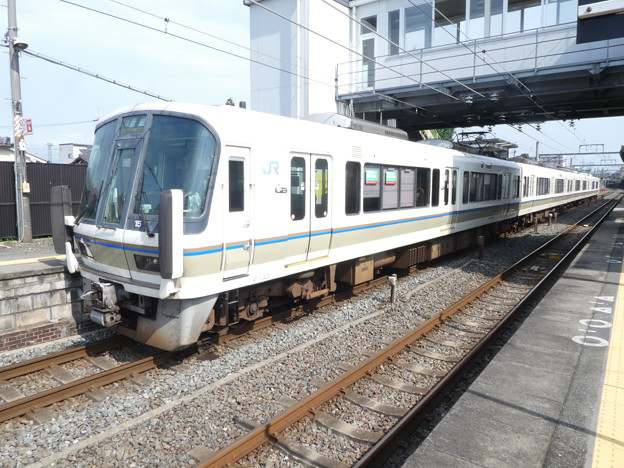 JR西日本:221系(NA404)-01