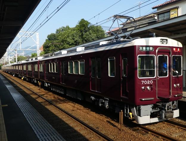 阪急:7000系(7020F)-02