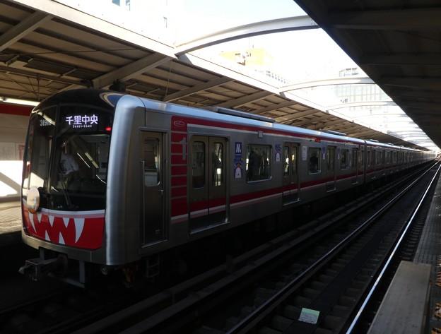 大阪メトロ:30000系(31610F)-01