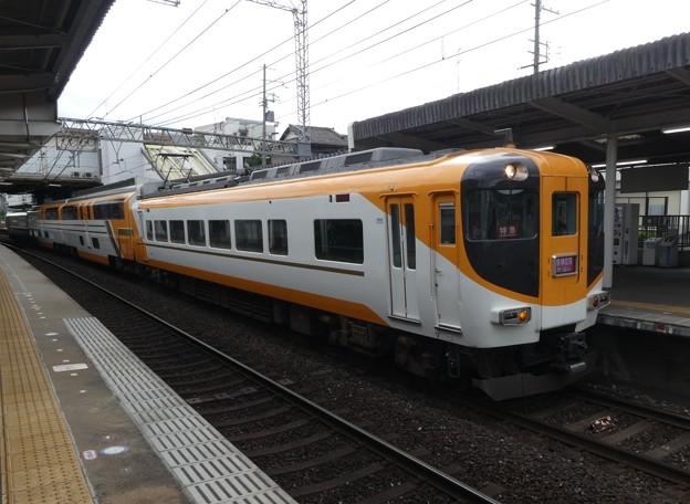 Photos: 近鉄:30000系(30207F)-04