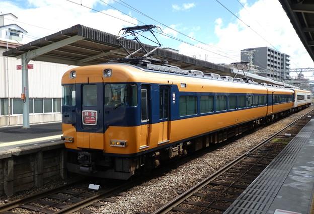 近鉄:12200系(12253F)・22000系(22113F)-01