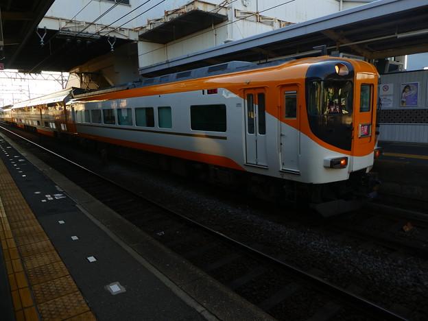 近鉄:30000系(30215F)-02