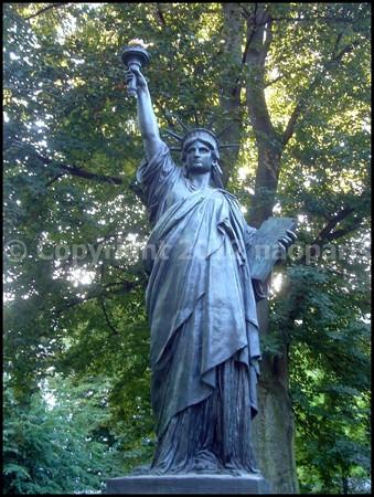 Statue de la liberte jardin du luxembourg paris - Jardin du luxembourg statue de la liberte ...