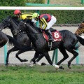 Photos: [140329中山11R日経賞]3番手追走のフェノーメノ。吹っ切れた感じで追走。