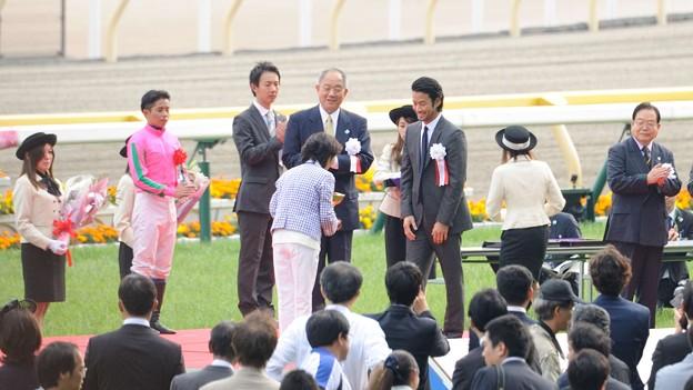 [140525東京11R優駿牝馬]竹野内さん、やっぱり遠いんですよ…すいません