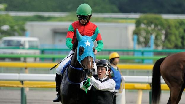 [140525東京11R優駿牝馬]マイネグレヴィル「なんだか…物騒な感じです」